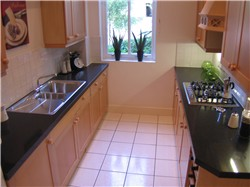 kitchen picture after home staging for estate agents