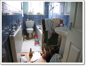 Family bathroom before decluttering